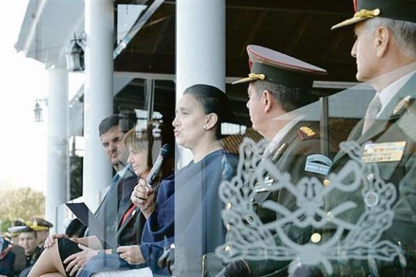 """Aniversario. Gabriela Michetti habló en el acto por el 79° aniversario de Gendarmería en la Escuela de Oficiales """"General D. Martín Miguel de Güemes."""