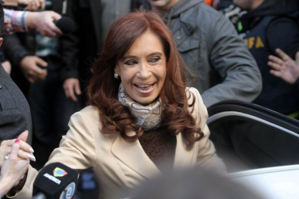 La expresidenta Cristina Fernández de Kirchner fue al sanatorio donde nació Emilia a conocer a su nieta.